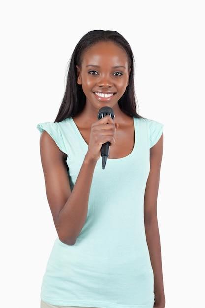 Souriante chanteuse Photo Premium