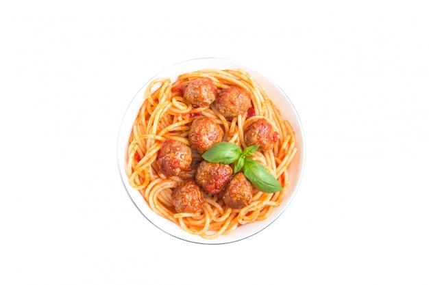 Spaghetti aux boulettes de viande isolées Photo Premium