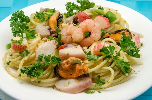 Spaghetti Aux Fruits De Mer Aux Fruits De Mer Photo Premium