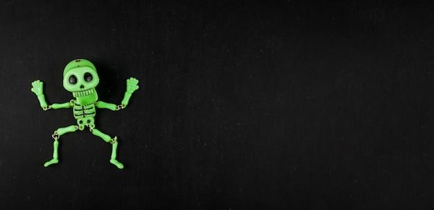 Squelette vert effrayant Photo gratuit