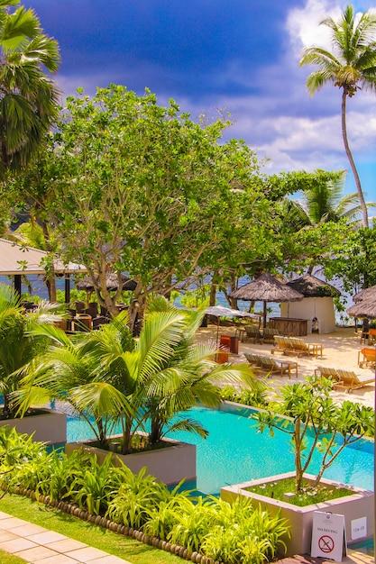 Station Exotique Dans Un Pays Tropical Seyshelles Photo Premium
