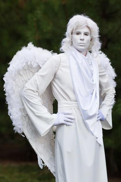 Statue d'ange vivre. Photo Premium