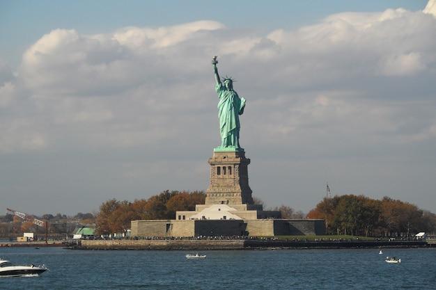La Statue De La Liberté Sur Liberty Island, New York, Usa. Photo Premium