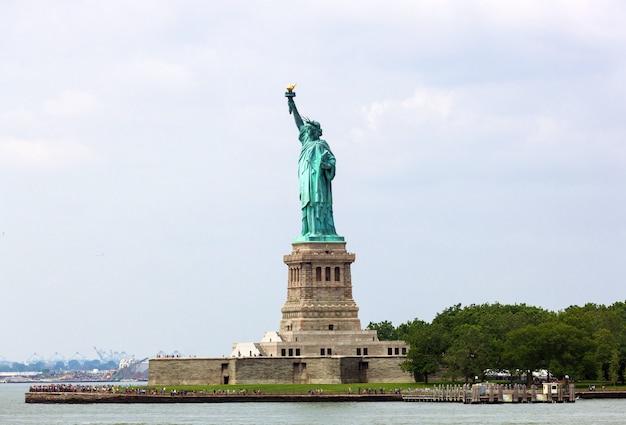 La statue de la liberté à new york Photo Premium