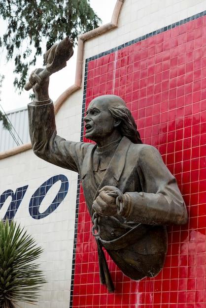Statue Sur Le Mur, Centro, Dolores Hidalgo, Guanajuato, Mexique Photo Premium