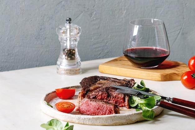 Steak De Boeuf Grillé Photo Premium