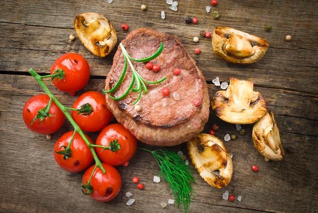Steak Grillé Biologique Juteux Photo Premium