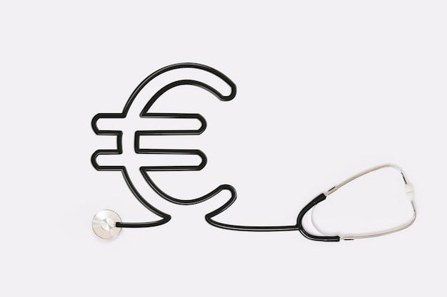 Stéthoscope avec tube à contour euro Photo gratuit