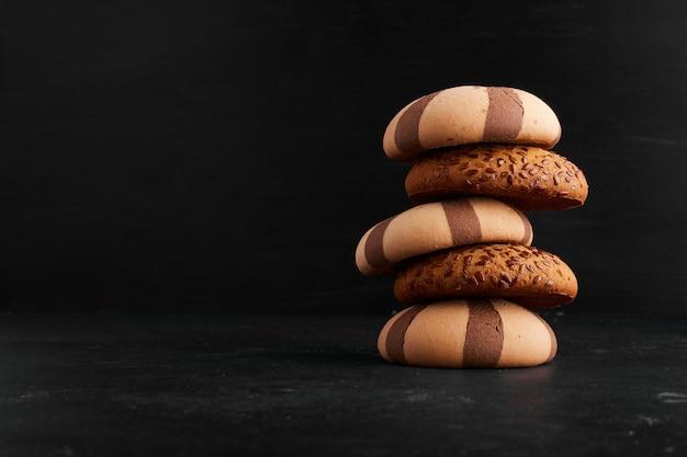 Un Stock De Biscuits à L'avoine Et Au Cacao, Vue De Profil. Photo gratuit