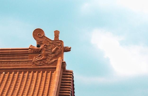 La Structure D'architecture D'un Temple Chinois Avec Le Ciel Bleu. Photo gratuit