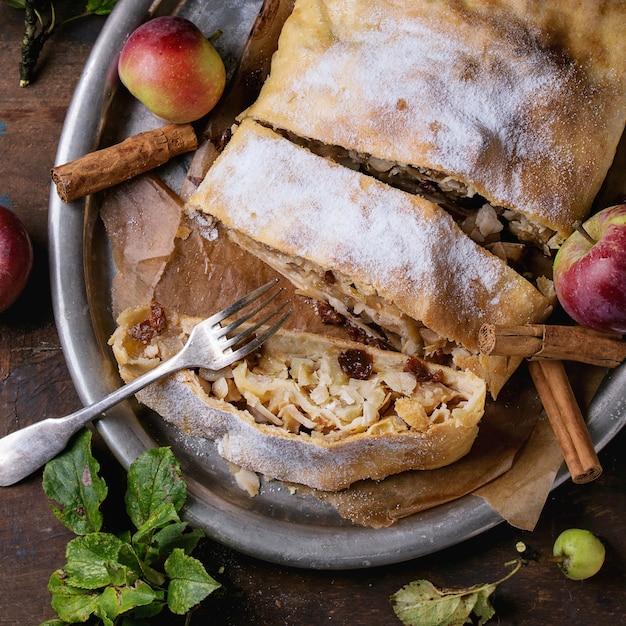 Strudel Aux Pommes Maison Photo Premium