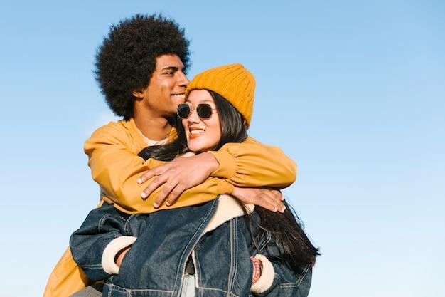 Style de vie du jeune couple Photo gratuit