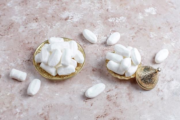 Sucre Mevlana, Bonbon Au Sucre Blanc Spécifique à La Dinde, Vue Du Dessus Photo gratuit
