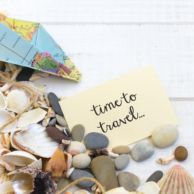 Summer Time Sea Vacation, Fond Blanc En Bois De Coquillages Photo Premium