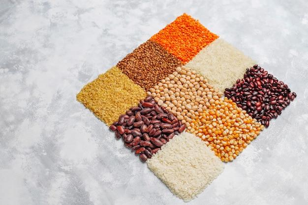Superaliments, graines et céréales à manger végétalien et végétarien. manger sainement Photo gratuit