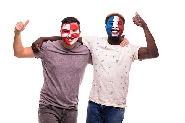Supporters Fans De Football Avec Visage Peint Des équipes Nationales De France Et De Croatie Isolé Sur Fond Blanc Photo gratuit