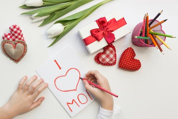 Surprise Pour Maman Le Jour De La Fête Des Mères Photo gratuit
