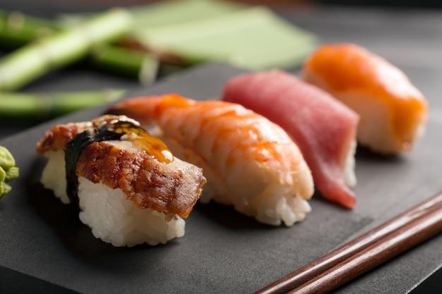 Sushi Japonais Traditionnel Photo Premium