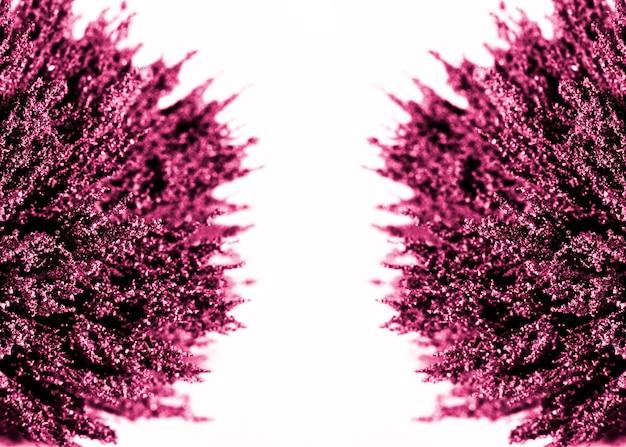 Symétrie de rasage métallique magnétique violet sur fond blanc Photo gratuit