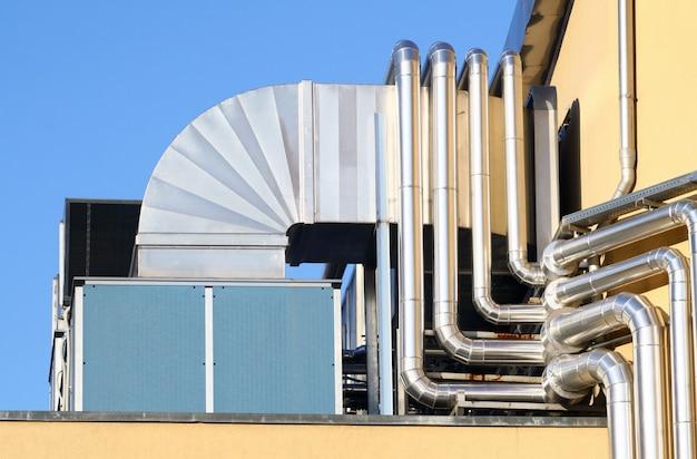 Le système industriel d'aération. Photo Premium