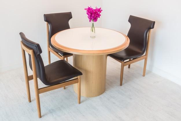 Table et chaise Photo gratuit