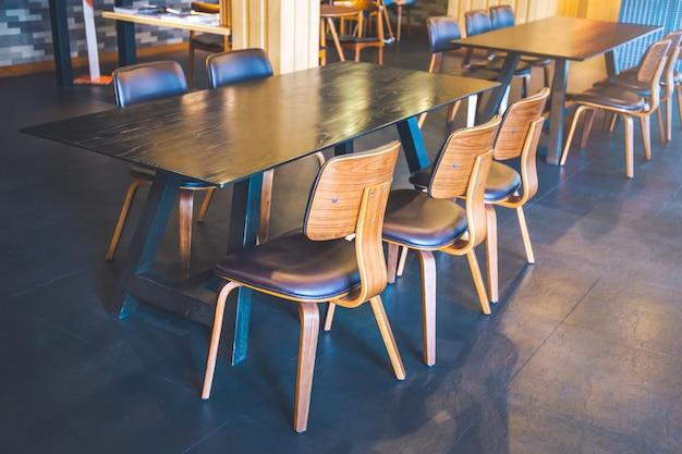 Bois Dans Café Table Et Chaises Un ModerneTélécharger En Des EIDW2eYH9