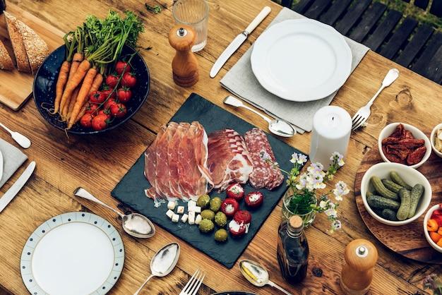 Table à dinner Photo gratuit