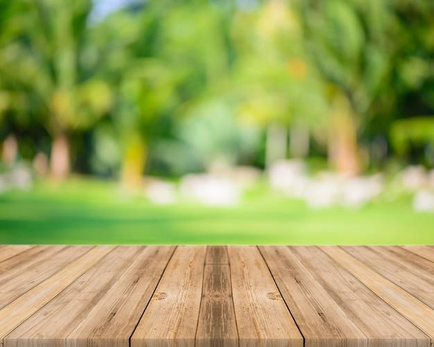 Table Avec Un Fond Flou Photo gratuit