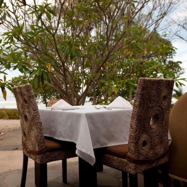 Table à manger au costa rica Photo Premium