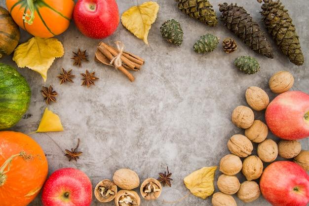 Table en marbre décorée avec de la nourriture Photo gratuit