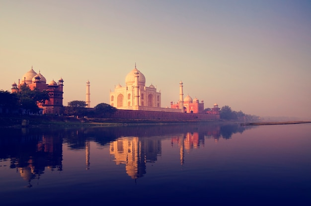 Le Taj Mahal à Agra En Inde Photo gratuit