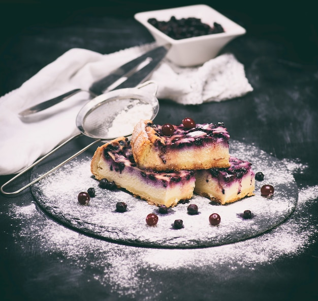 Tarte au fromage blanc et aux myrtilles Photo Premium