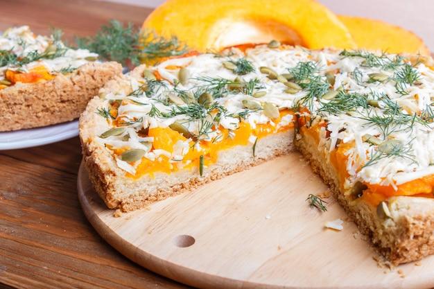 Tarte au potiron sucrée au fromage et à l'aneth Photo Premium