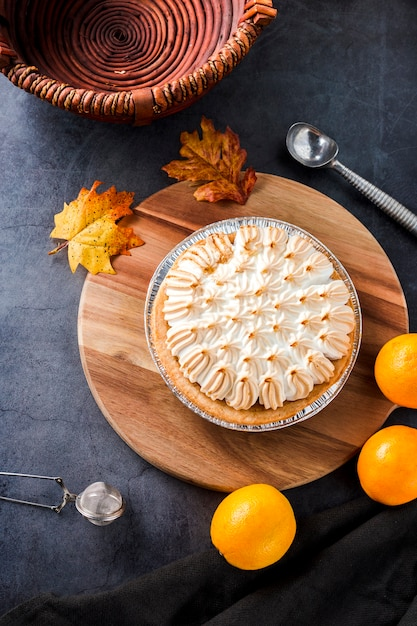 Tarte meringuée orange Photo gratuit