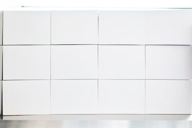Tas de boîtes de papier blanc arrangé Photo Premium