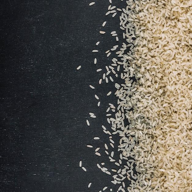 Tas de riz blanc Photo gratuit