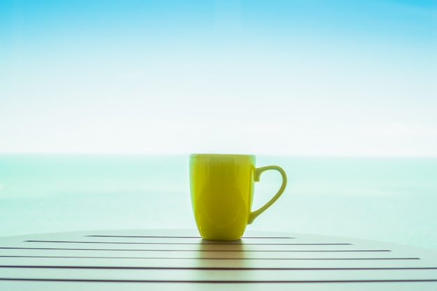 Tasse à café colorée Photo gratuit