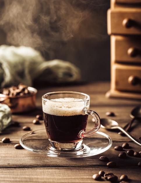 Tasse de café à la vapeur Photo Premium