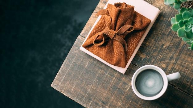 Tasse à café vue de dessus sur une table en bois Photo gratuit