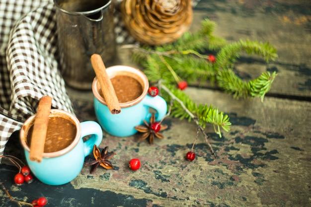 Tasse de chocolat chaud aux noix Photo Premium