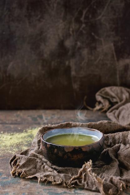 Tasse de thé matcha Photo Premium
