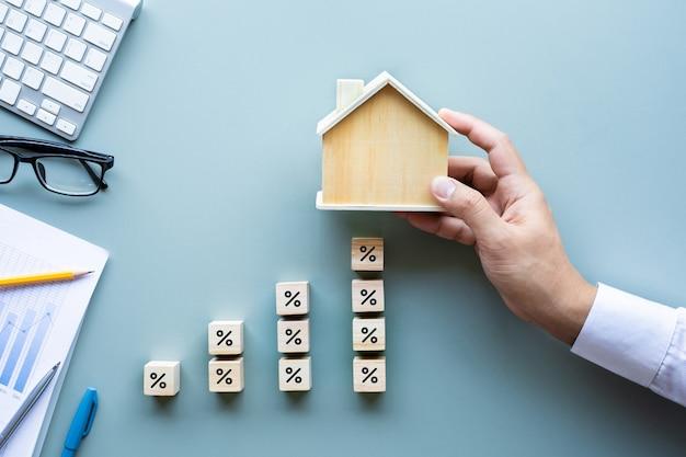 Taux D'intérêt Foncier, Augmentation Des Prêts Financiers, Planification Des Investissements, Immobilier D'entreprise Photo Premium