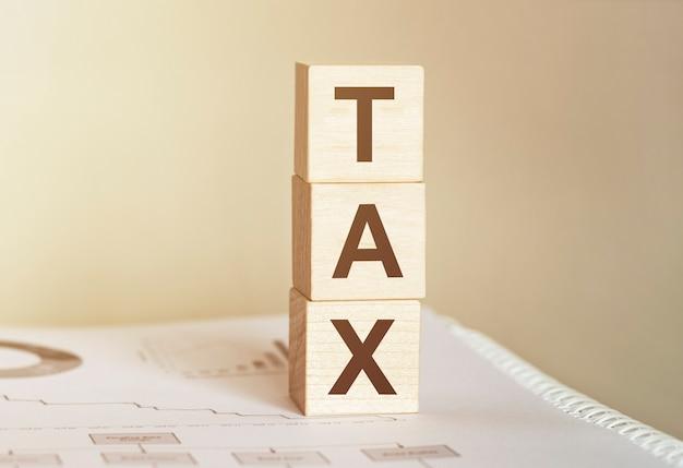 Taxe Word Faite Avec Des Blocs De Construction En Bois Photo Premium