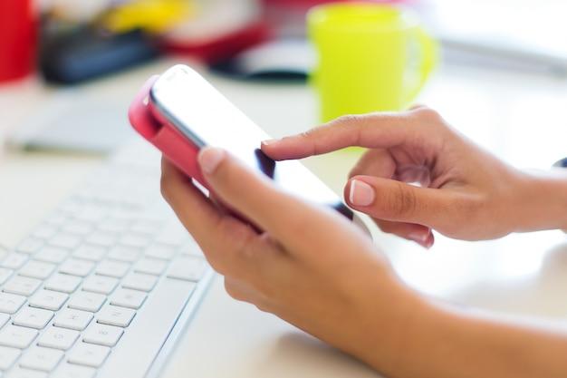 Téléphone Doigt Toucher Photo gratuit