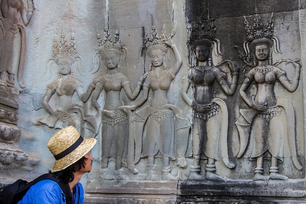 Temple d'angkor wat à siem reap, cambodge Photo Premium