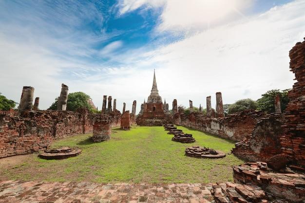 Temple antique thaïlandais Photo Premium