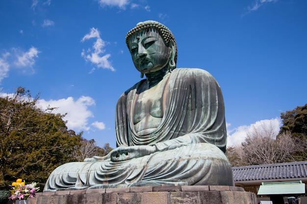 Temple Du Grand Bouddha De Kotokuin à Kamakura Photo Premium
