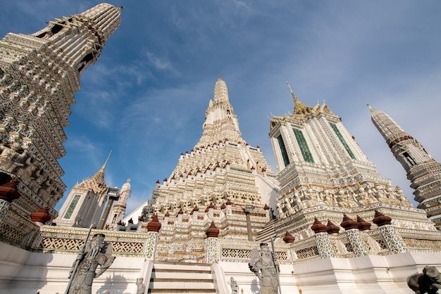 Temple wat arun en thaïlande Photo Premium