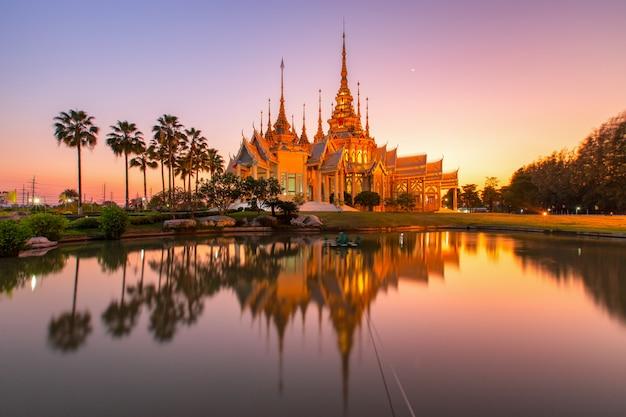 Temple De Wat None Kum En Thaïlande Photo Premium
