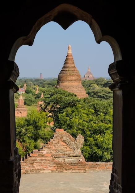 Temples antiques à bagan, myanmar Photo Premium